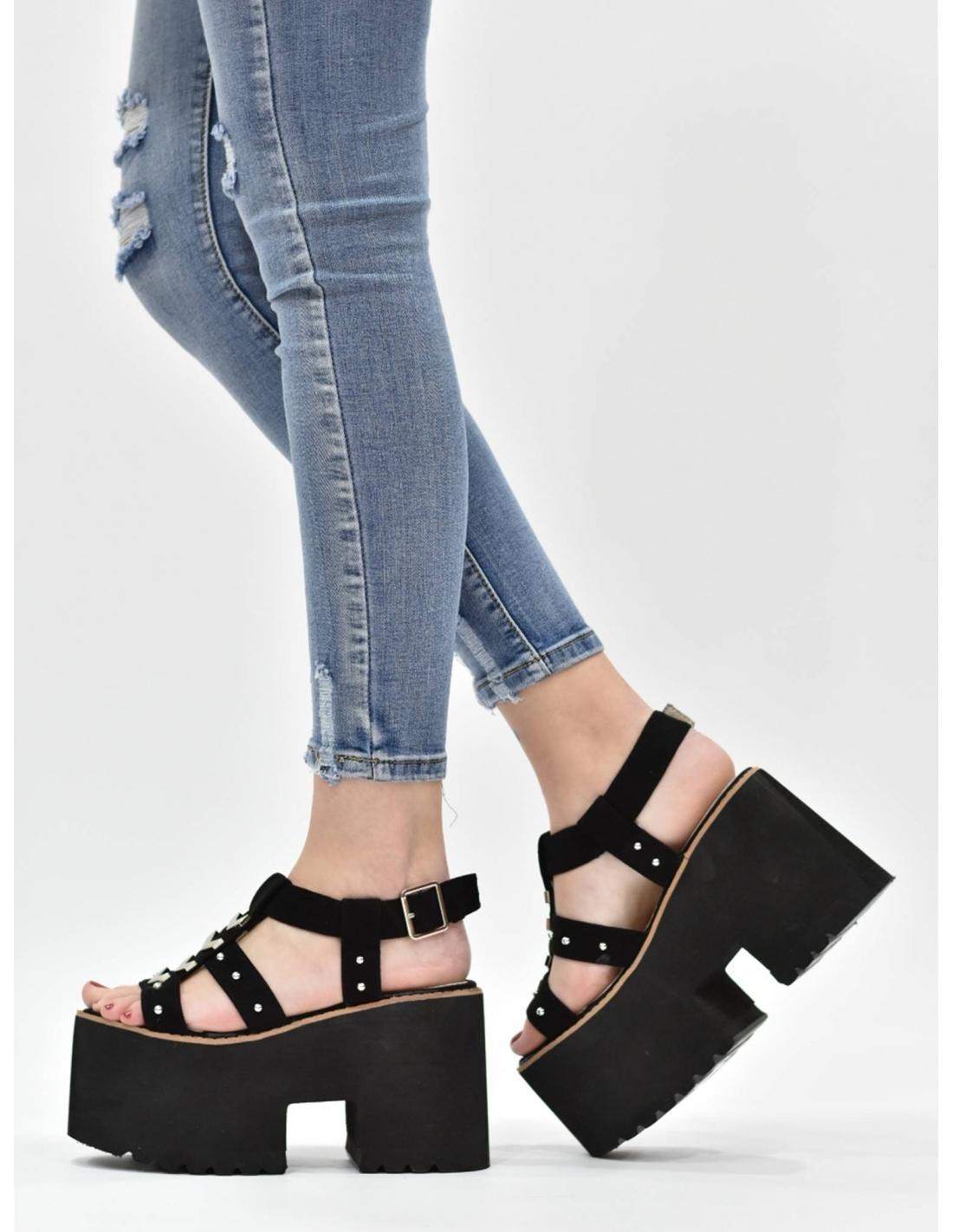 Sandalia de plataforma negra / Mole