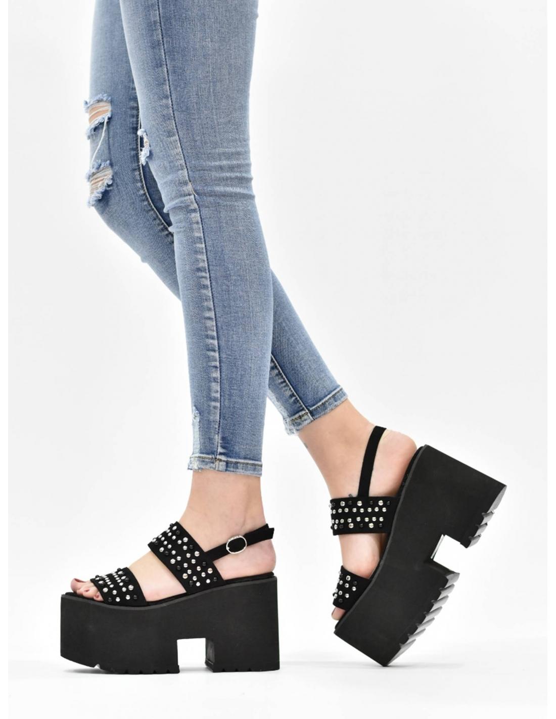 Sandalia de plataforma negra con...