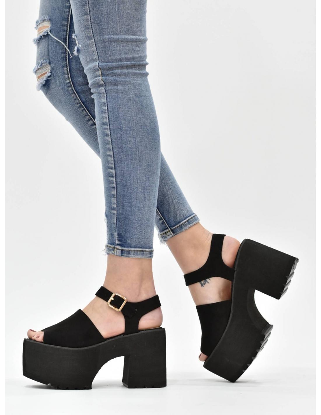 Sandalia de plataforma negra / Based