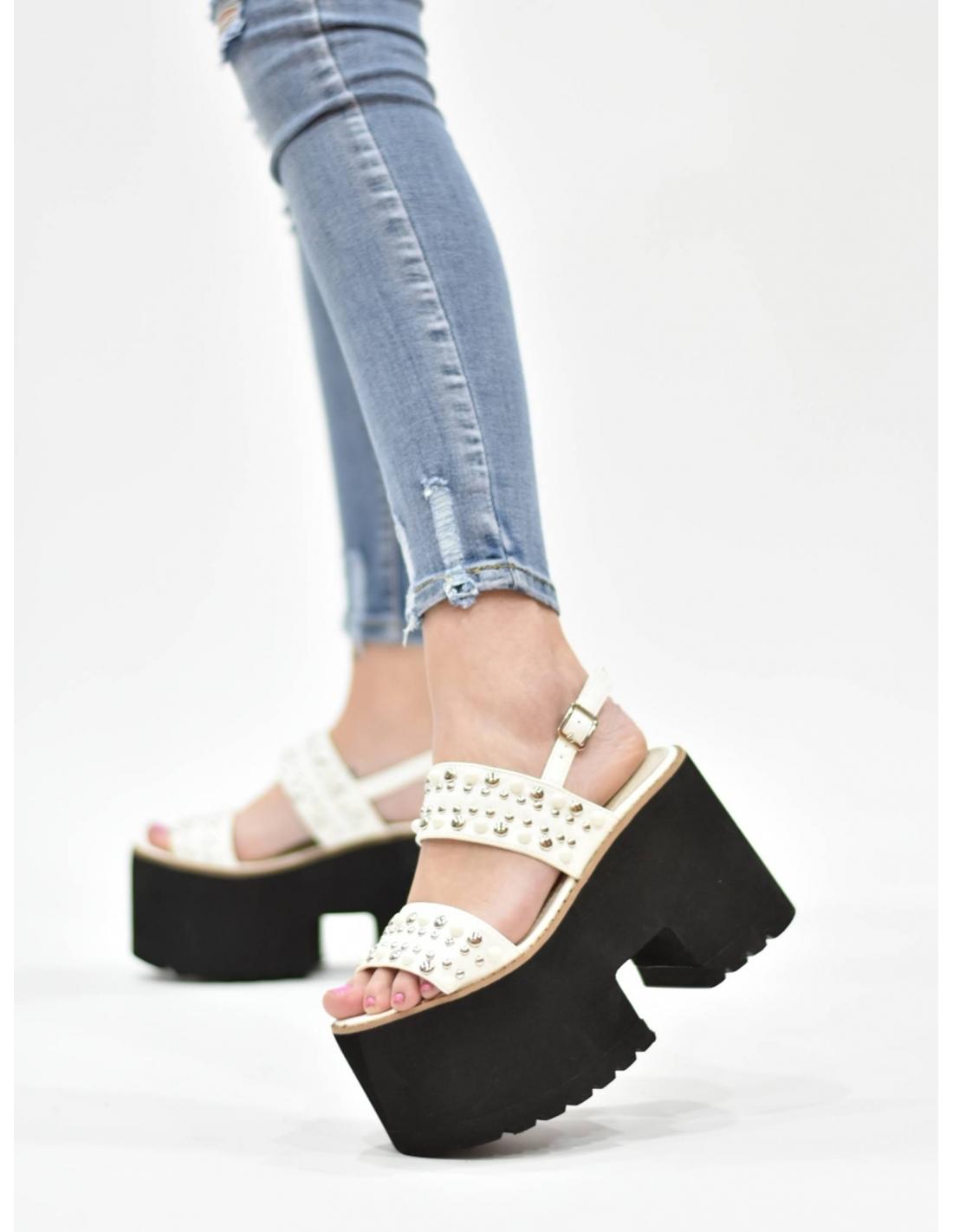 Sandalia de plataforma blanca con...