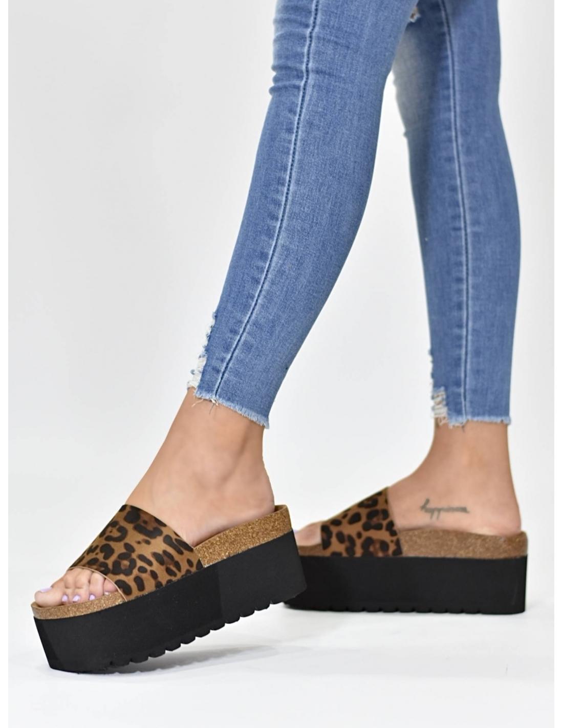 Sandalia basten leopardo