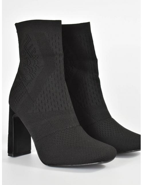 Botin calcetin de tacon negro